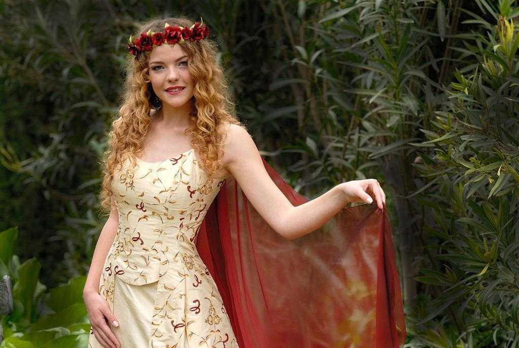 Medieval Dama
